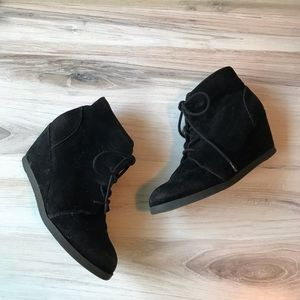 Madden Girl Domain Lace Up Faux Suede Booties 6.5